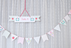DIY – Floral seating plan and beautiful bunting
